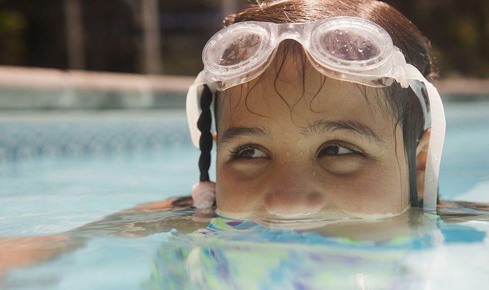 ¿Tienes dolor de oído, el mismo que aumenta al acostarse? ¿Has notado disminución de la audición?